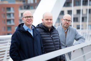 Antti Voittonen, Balanco Accounting AB:n Toimitusjohtaja keskellä, Janne Myllymäen ja Mikko Marttusen kanssa Balanco Accounting OY:stä.